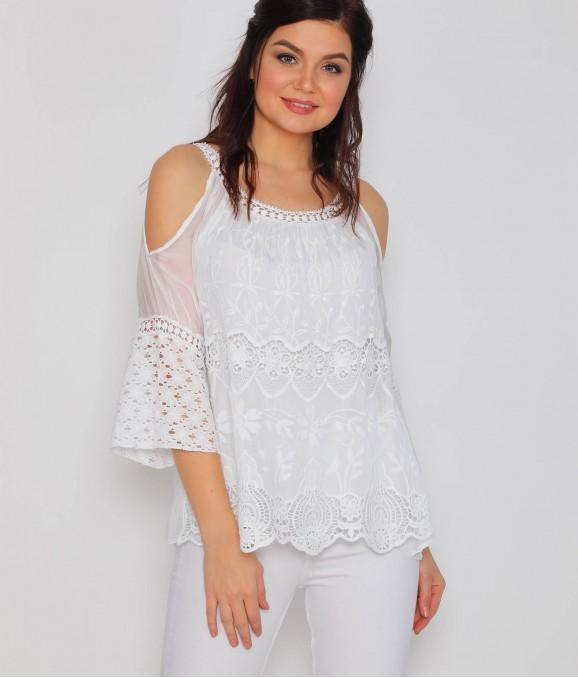 Dantel Motif Kol Dekolteli Beyaz Bluz
