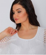 Dantel Çiçek Motifli Beyaz Bluz