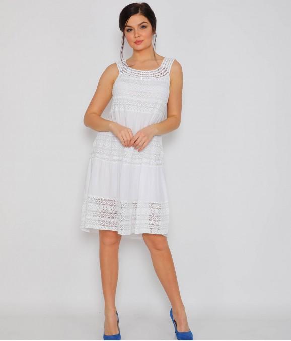 Sıfır Kol Dantel Motifli Beyaz Elbise